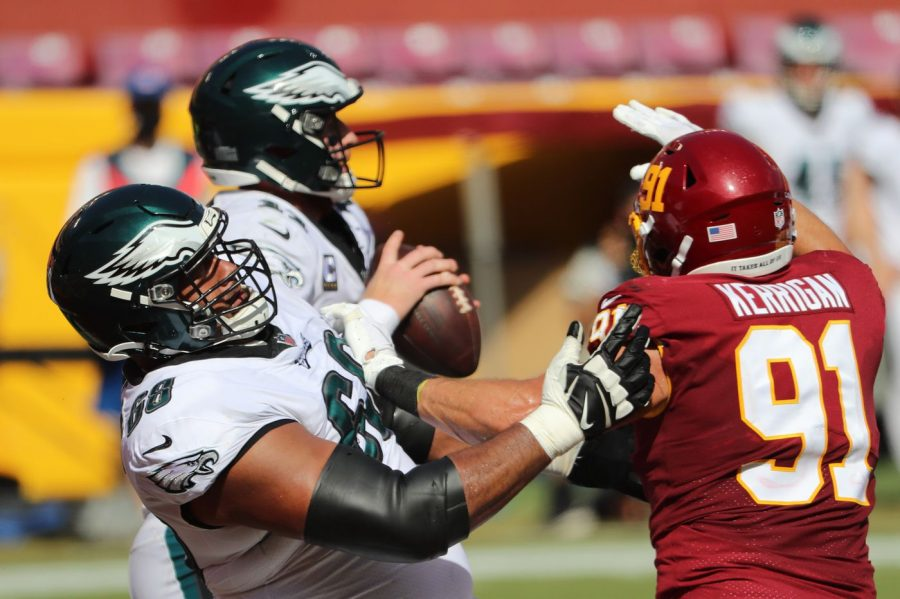 Ryan Kerrigan breaks through battered Eagles o-line.